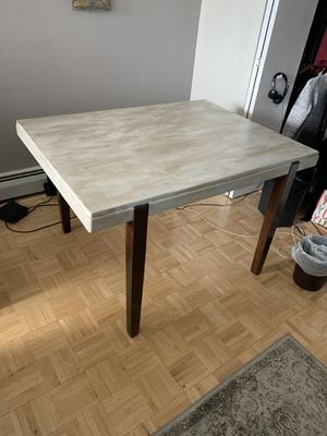 Kitchen table. Solid wood. for Sale in Chicago, IL