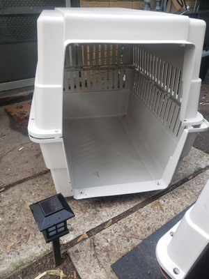 Large crate for 60-80lbs dog for Sale in Houston, TX