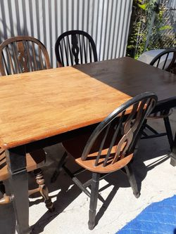 Table Set 5 Chairs for Sale in Los Angeles,  CA