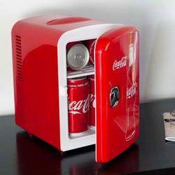 Coca Cola Thermoelectric Mini Fridge for Sale in Chula Vista,  CA