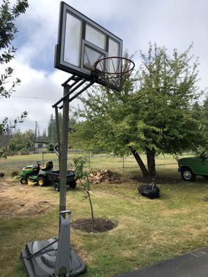 Free basketball hoop for Sale in Snohomish, WA