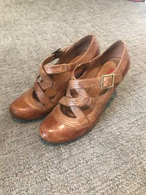 Like new! Size 7 ladies shoes for Sale in Seattle, WA