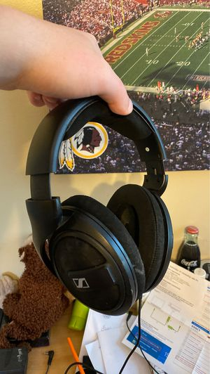 Sennheiser hd569s closed back high quality headphones with mic for Sale in Vienna, VA