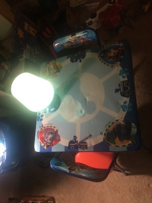 Kids desk and chairs + light for Sale in Irvine, CA