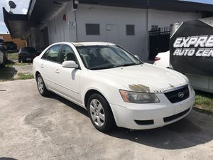 2007 Hyundai Sonata PARTING OUT PARTS ONLY for Sale in Opa-locka, FL