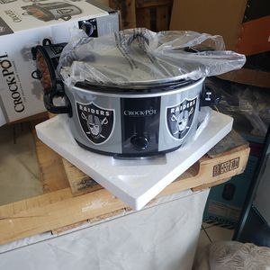 Crock Pot 6 QT Slow Cooker with Raiders Design for Sale in Huntington Park, CA