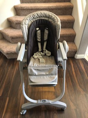 Chicco Polly Highchair for Sale in Las Vegas, NV