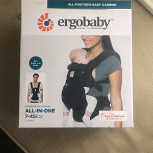 Ergobaby Omni 360 Brand New Never Used (black) for Sale in Issaquah, WA