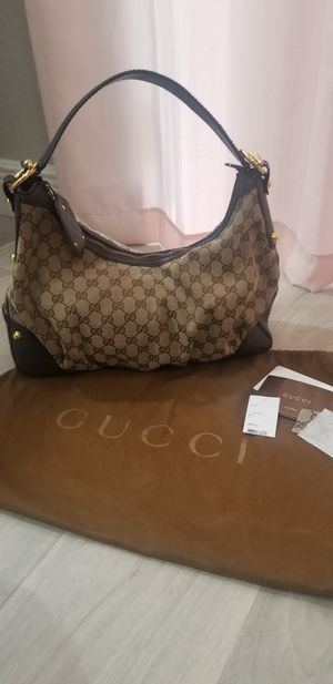 Gucci shoulder purse. 100% Authentic for Sale in Fort Lauderdale, FL