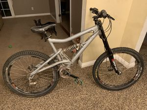 "26"" Santa Cruz Downhill Mountain Bike for Sale in Clovis, CA"
