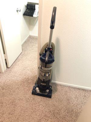 Shark Navigator Swivel Plus Vacuum for Sale in Costa Mesa, CA