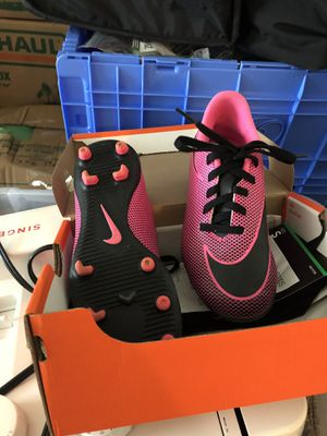 Size 13C nike soccer kleats for Sale in Des Moines, WA