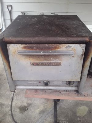 Baker pride pizza oven for Sale in Barrackville, WV
