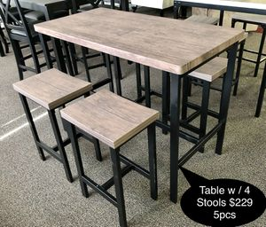 Brand new Table with 4 stools for Sale in Fresno, CA