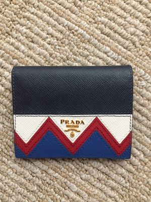 Authentic Prada 2017SS Wallet for Sale in Montclair, CA