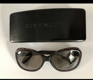 Various sunglasses (Coach, Bebe, Ralph, Givenchy) for Sale in Carmel, IN