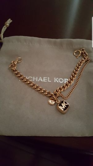 authentic michael kors new bracelet for Sale in Las Vegas, NV