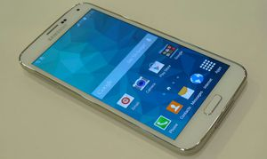 Samsung Galaxy S5 ,,UNLOCKED . Excellent Condition ( as like New) for Sale in Springfield, VA
