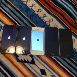 All for 190 as is they all turn on 2 iPhone 6 and 3 iPhone 5 for Sale in Lakeland, FL
