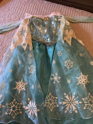 Elsa costume for Halloween 🎃 size 3t for Sale in Orlando, FL