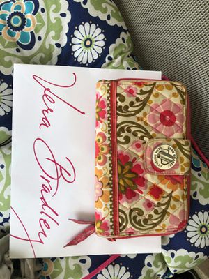 Vera bradley wallet for Sale in San Antonio, TX
