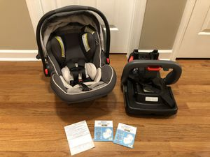 Graco® SnugRide® SnugLock™ 35 Elite Infant Baby Car Seat with Base in Oakley Grey $100 FIRM cash at pickup in Apex (Original price is $219.99) This for Sale in Holly Springs, NC