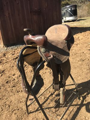 "Powell 15"" Saddle. Latigo and cinch included. for Sale in Verona, VA"