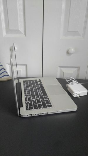 """🌏 Apple MacBook Pro, """"Core i5 """" / 240 Gb solid state disk/ 8Gb Ram Memory / macOS Catalina 10.15 / year 2012 / charger new for Sale in Homestead, FL"""
