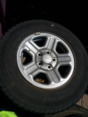 Jeep wheel for Sale in Fort Worth, TX