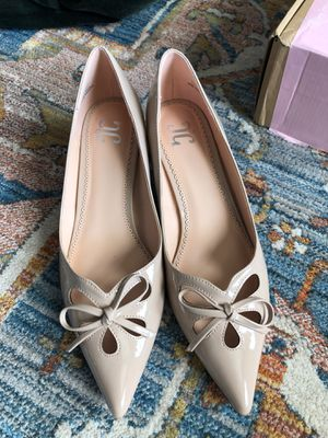 Shoes Journee- blush/nude patent kitten heel - size 9 for Sale in Pittsburgh, PA
