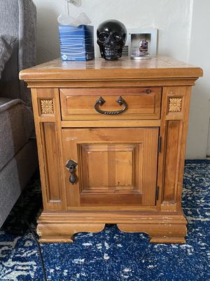 Wooden Side Table for Sale in Pittsburgh, PA