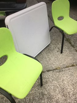 LIFETIME TABLE AND CHAIRS for Sale in Tacoma,  WA