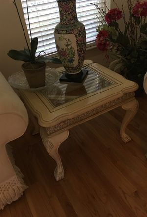 Henredon end table for Sale in Gaithersburg, MD