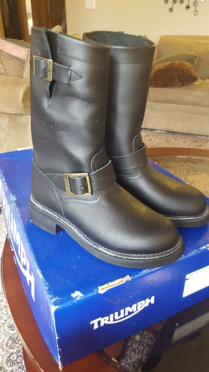 BRAND NEW TRIUMPH MOTORCYCLE BOOTS SIZE 37; 6 1/2 for Sale in Port Orchard, WA