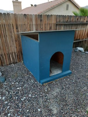 Large dog house for Sale in Desert Hot Springs, CA