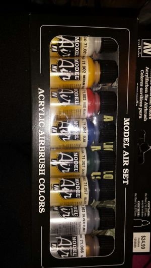 Acrylic airbrush colors model are set for Sale in Tacoma, WA