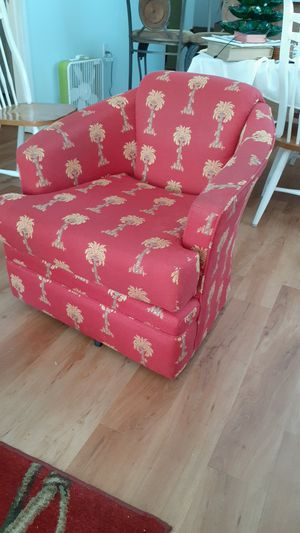 Beautiful red and gold swivel chair. for Sale in Pensacola, FL