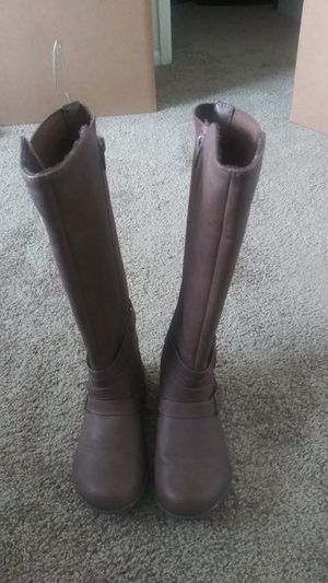 Tall brown boots sz 12 for Sale in Los Angeles, CA