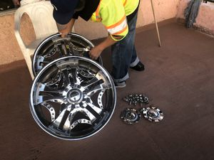4 Rims size 22 for Sale in Los Angeles, CA