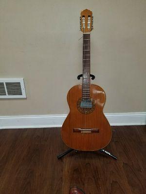 ARTESANO VALENCIA classical guitar for Sale in Oxon Hill, MD