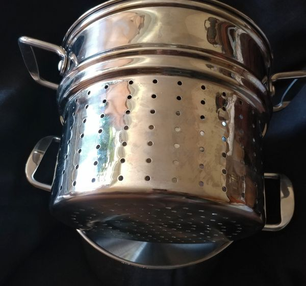 Salt 3 piece stainless steel 8 qt steamer cooking pot multi cooker with glass lid, great for pasta, soups, chili