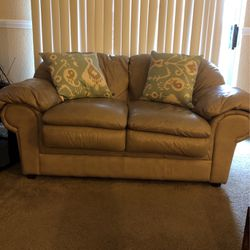 Leather Love Seat for Sale in Houston,  TX
