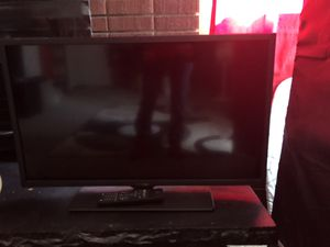 Westinghouse 32 inch tv. Good picture for Sale in Westminster, CO