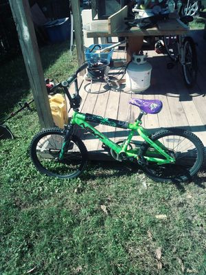 Bike 20 inches like new my son grew and don't need it anymore for Sale in Houston, TX