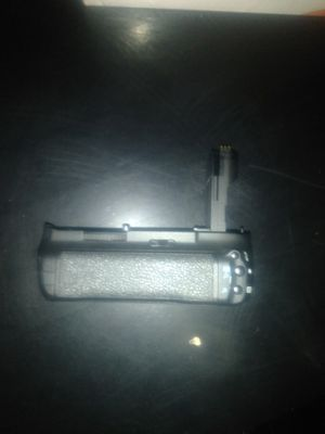 Canon battery grip bg-e7 for Sale in Alexandria, VA
