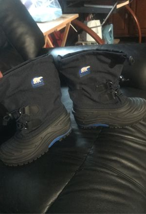 Snow boots for Sale in Sylmar, CA