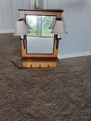 Wall mirror with lights for Sale in Edgewood, WA