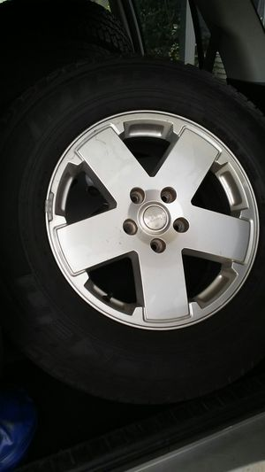 Used jeep wheels with tires for Sale in Valrico, FL