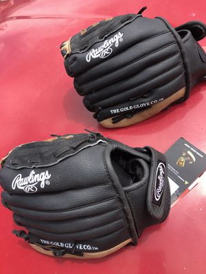 Kids size baseball glove for 25 bucks each brand new Thornton for Sale in Denver, CO