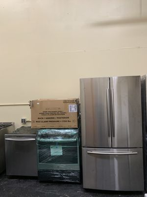 Stainless kitchen set for Sale in Pennsburg, PA